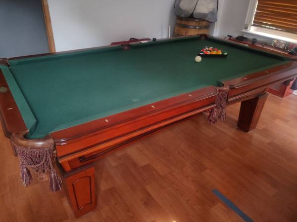 SOLO® - Yonkers - Near Mint 8ft Pool Table with Cues and ...