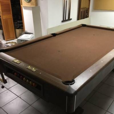 Pool Table 8Ft Excellent Condition