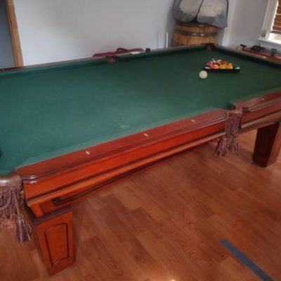 Near Mint 8ft Pool Table with Cues and Accessories