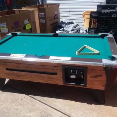 Bar Coin Operated Pool Table