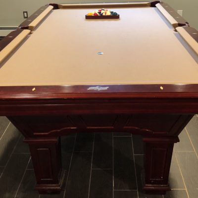 8 feet pool table with accessories