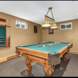 Olhausen 7 ft. pool table