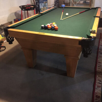 Connelly Kayenta Pool Table 8ft (Like New)
